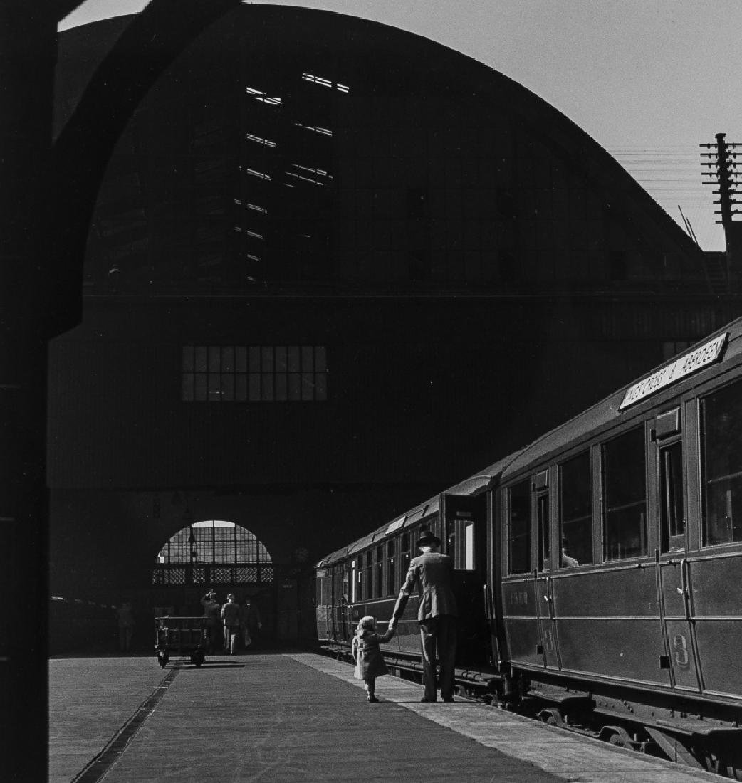 δ Wolfgang Suschitzky (1912-2016) King's Cross,