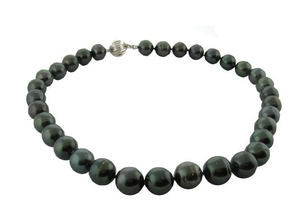 2001: APP.: $25K, Genuine Tahitian Cultured Pearl Neckl