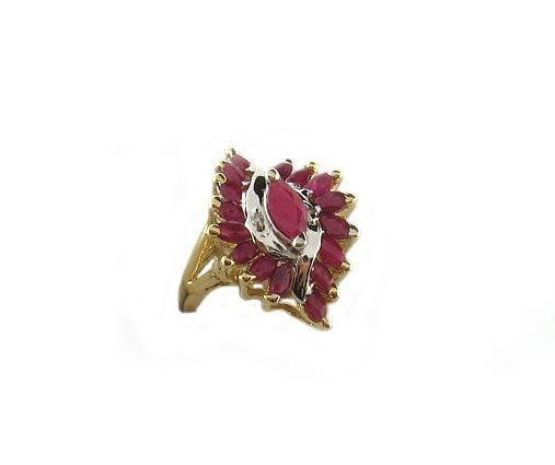 3026: APP.: $1.5K, 1.23CT Ruby and 0.01CT Diamond Ring,