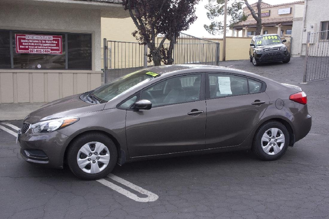 2014 Kia Forte Great Condition NO BUYERS PREMIUM 4