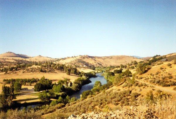 2003: FREE & CLEAR 4.84 AC Klamath River Country Estate