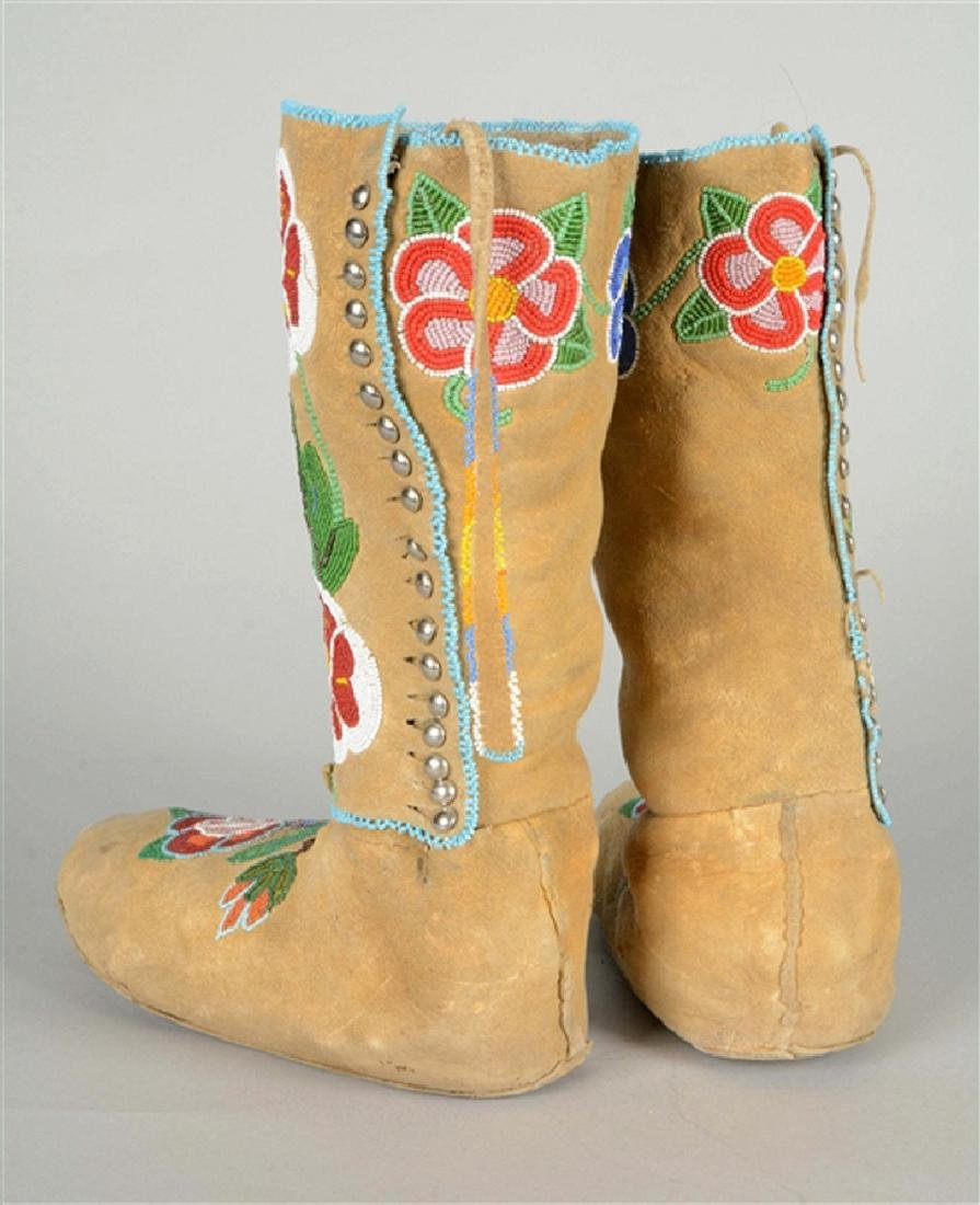 Extremely Rare Eaqrly 20th Century High Top Crow Floral - 2