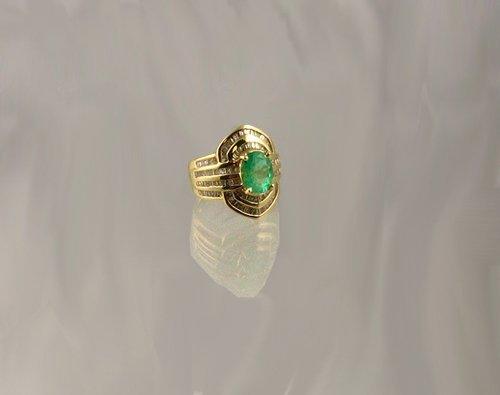 1322: APP.: $23.4K, 2.08CT Emerald and 1.45CT Diamond R