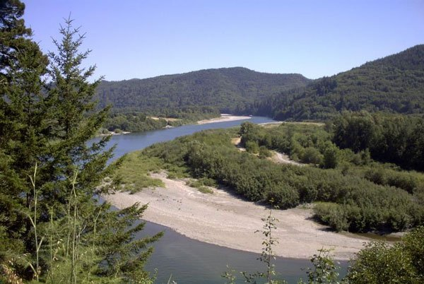 2001: GORGEOUS KLAMATH RIVER COUNTRY ESTATES 3.97 ac