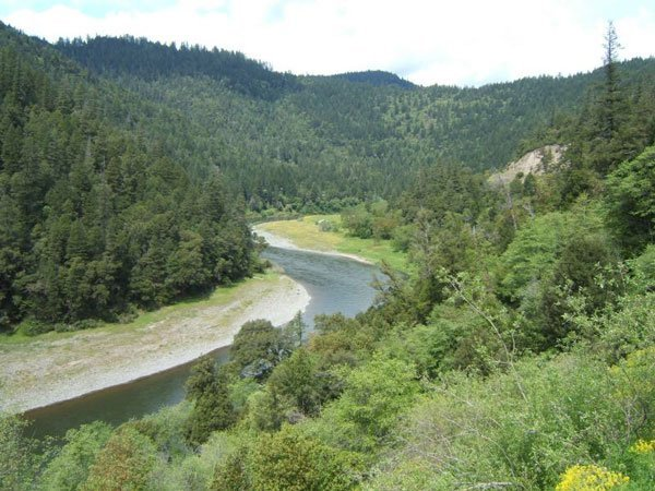 6000: GORGEOUS KLAMATH RIVER 3.97 ac STR SALE
