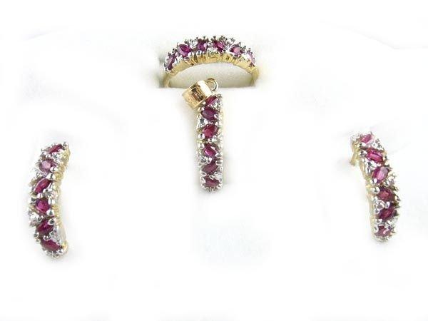 3020: GOV: 14 kt. Gold, Ruby and Diamond Set Ring, Earr