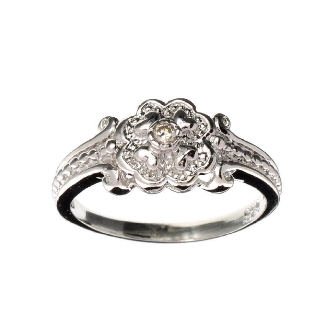APP: 0.6k Fine Jewelry 0.03CT Round Cut And Platinum