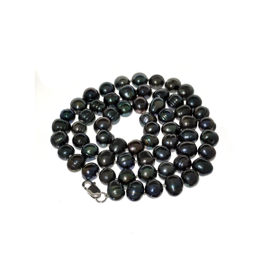 APP: 0.4k 16'' Black Dyed Pearl Strand with Sterling