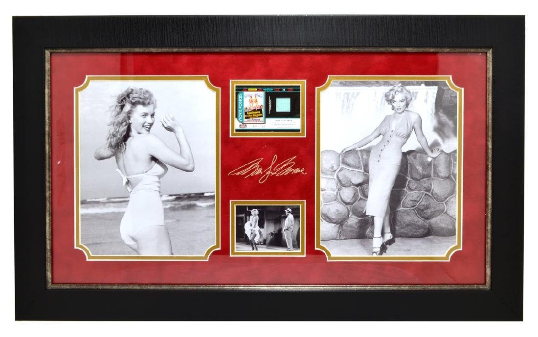 Very Rare Plate Signed Photo Of Marilyn Monroe With