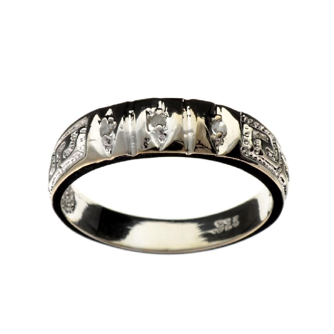 APP: 0.8k Fine Jewelry 0.03CT Round Cut Diamond And