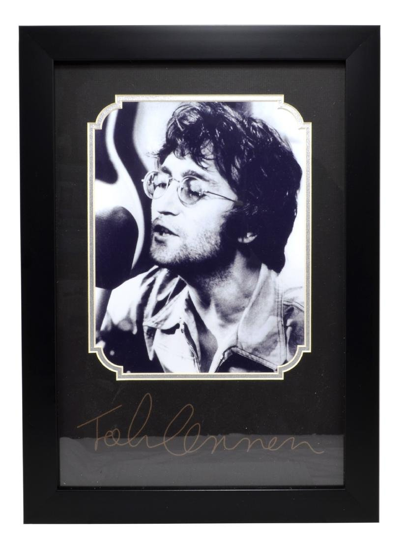 Rare Plate Signed John Lennon Photo Great Memorabilia