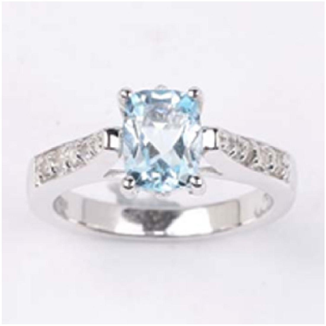APP: 0.6k 1.56CT Oval Cut Blue And White Topaz 925