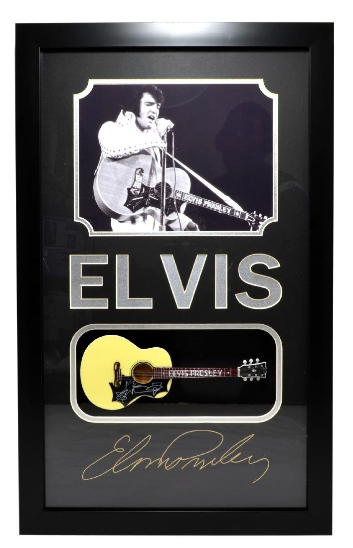 Rare Plate Signed Elvis Presley Photo With Guitar