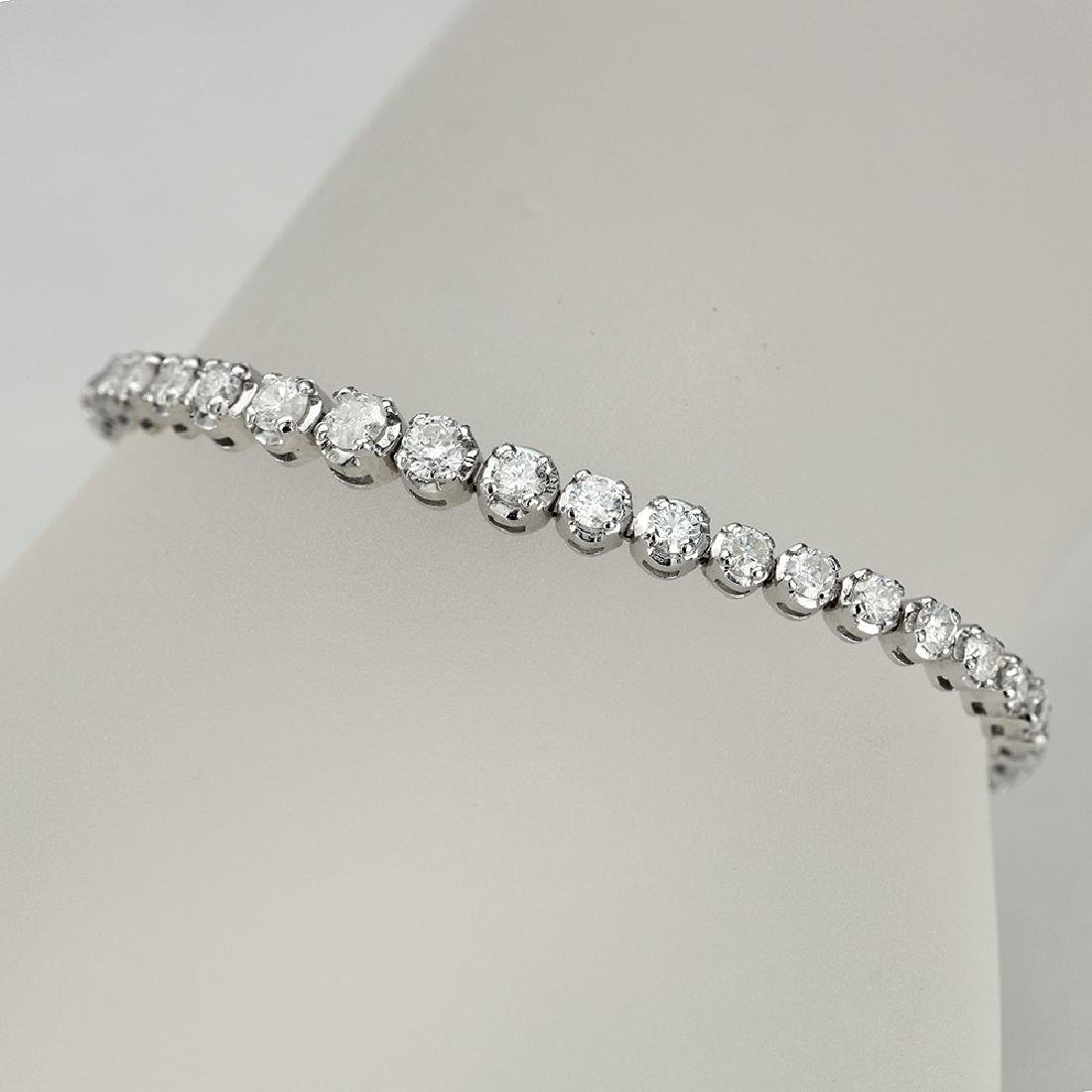APP: 12k *Fine Jewelry 14KT White Gold, 4.00CT Round