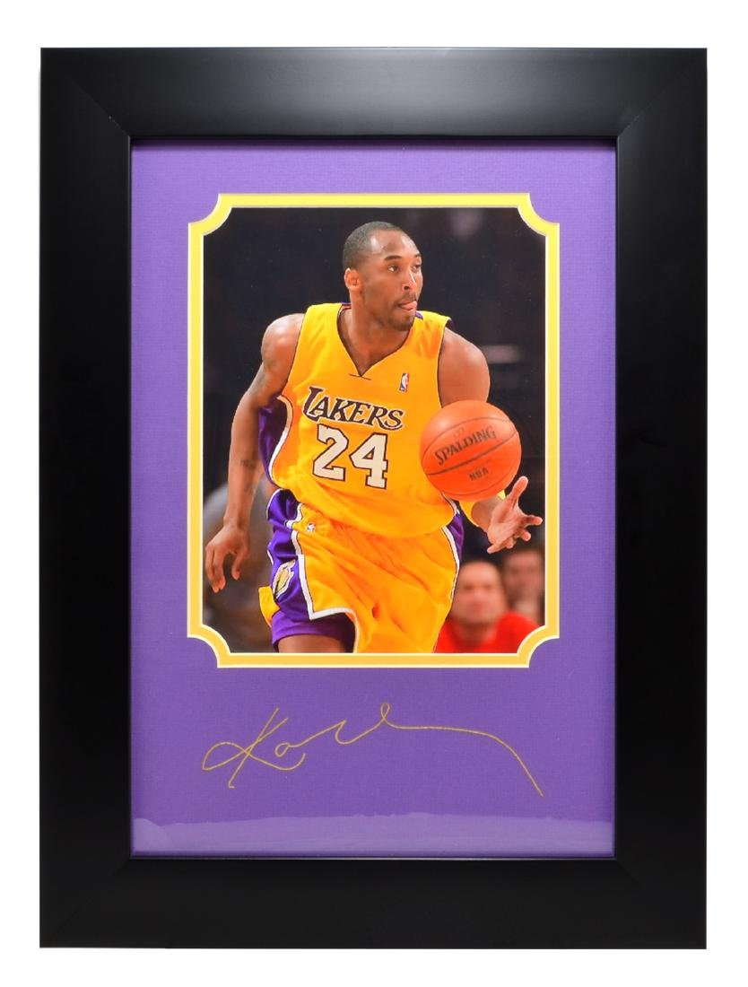 Rare Plate Signed Kobe Bryant Photo Great Memorabilia