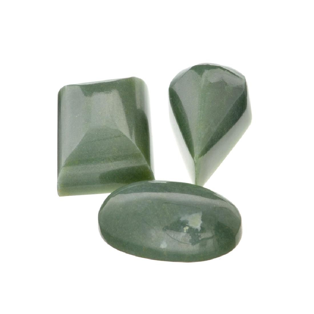 APP: 1.7k 210.90CT Various Shapes And sizes Nephrite
