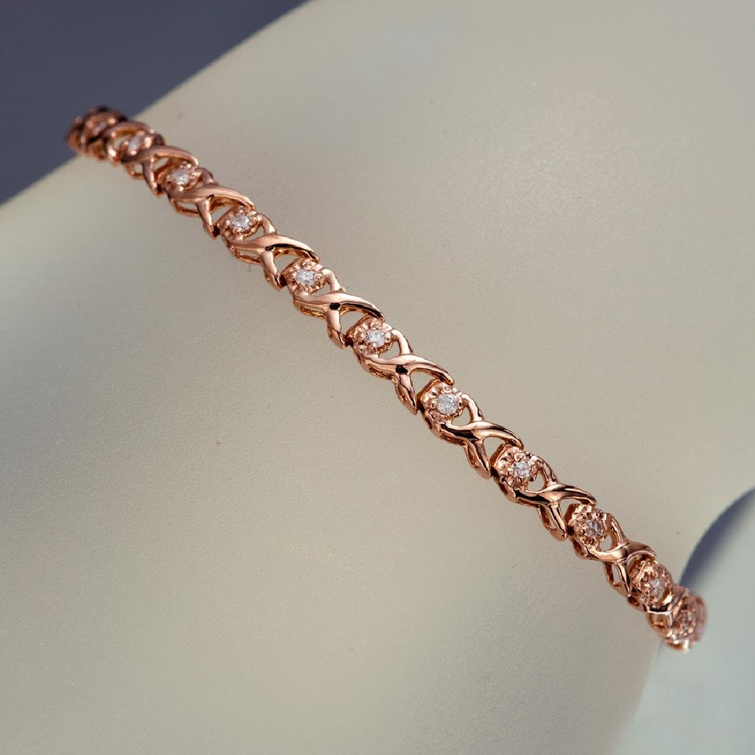 APP: 2.4k *14 KT Rose Gold, 0.29CT Round Brilliant Cut