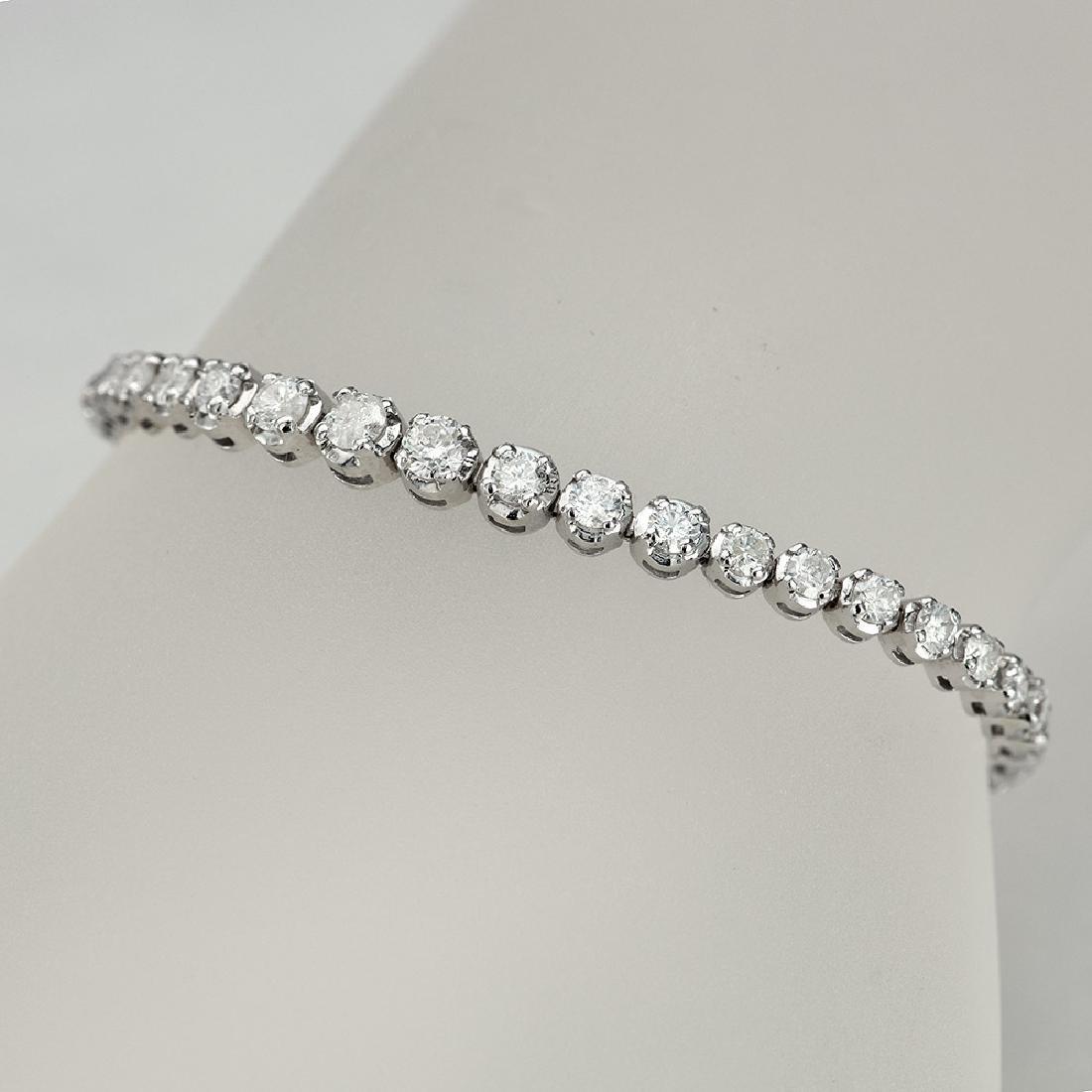 APP: 12k *Fine Jewelry 14 KT White Gold, 4.00CT Round