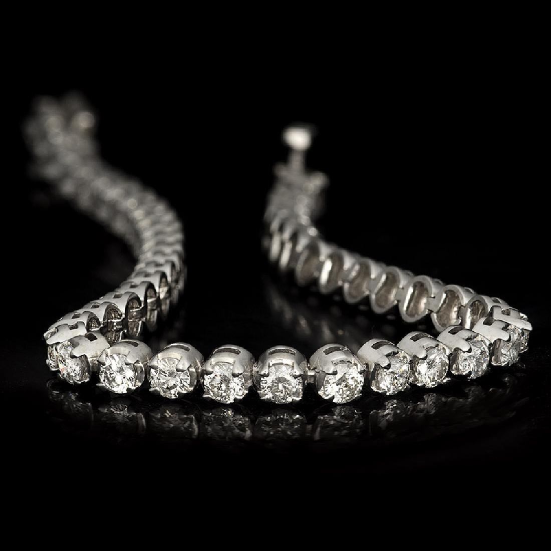 APP: 12k *Fine Jewelry 14 KT White Gold, 5.00CT Round