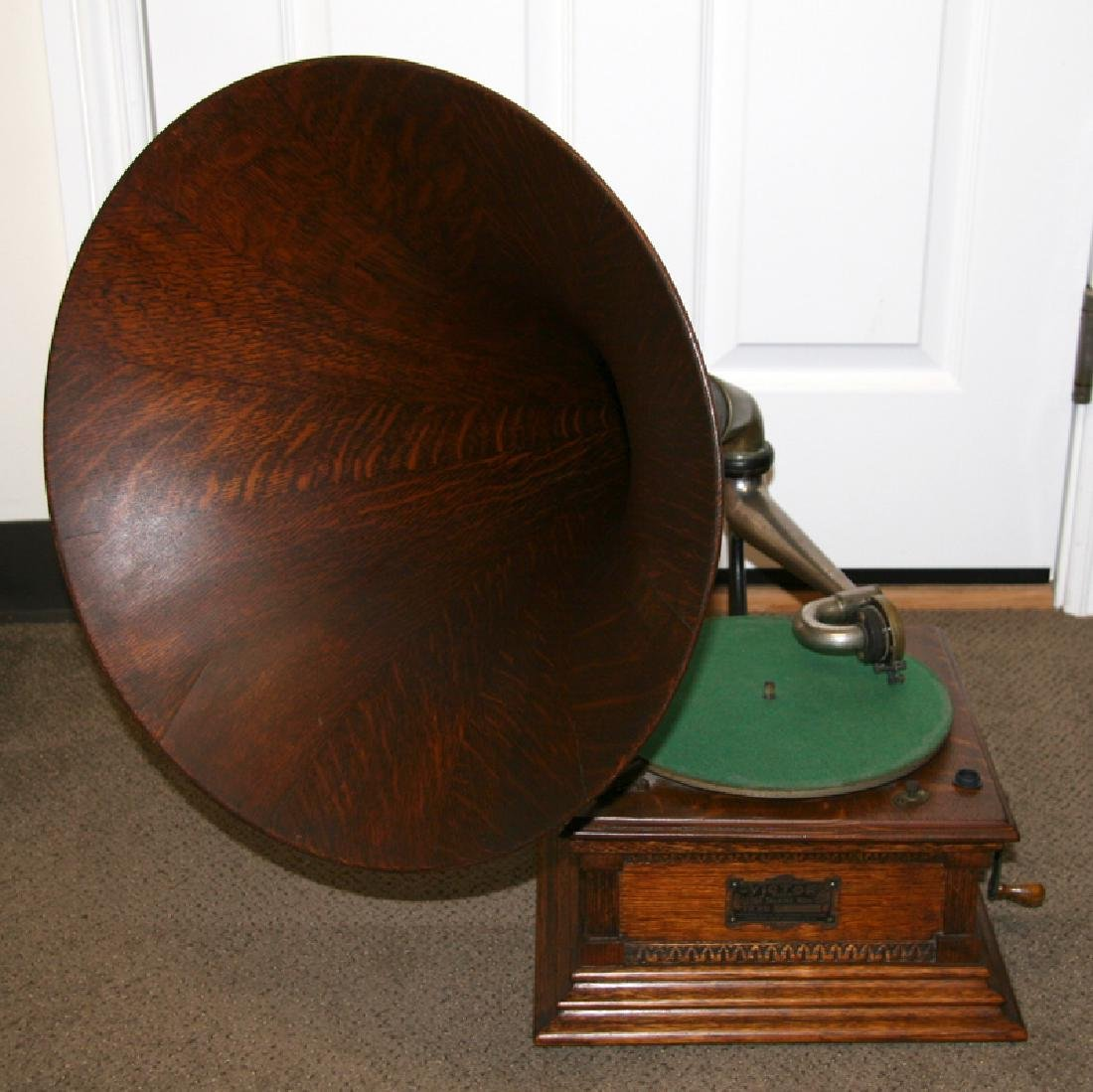 Antique Oak Victorian Phonograph-Extremely Rare - Pick