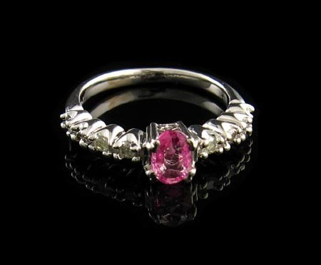 3006: 14 kt. White Gold, 0.53CT Pink Sapphire and Diamo
