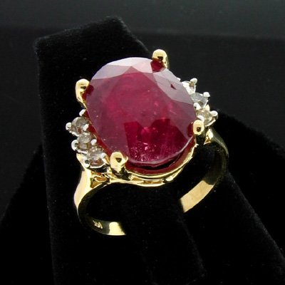 630: APP: 7.2k 14 kt. Gold, 7.86CT Ruby & Dia. Ring