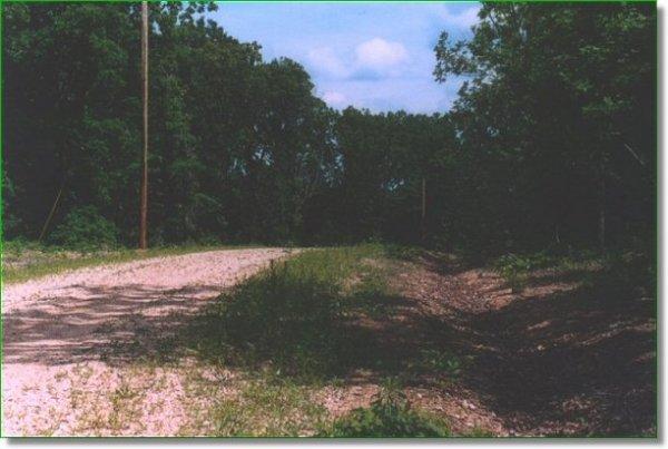 4040: GOV: MO LAND, 11.91 AC. LAKE / OZARKS, $330/mo