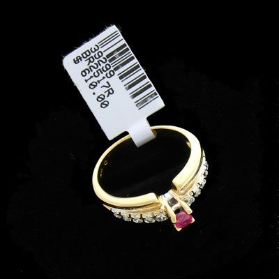 9: 14 kt. Gold, TW 0.15CT Ruby and Diamond Ring