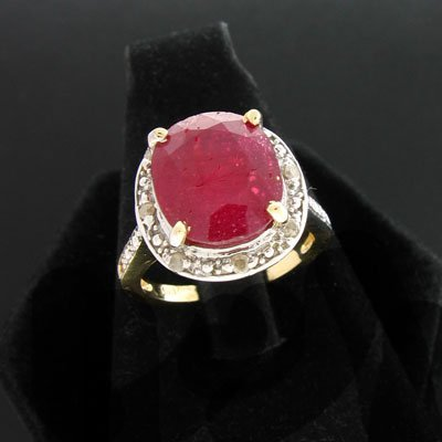 430: APP: 7.1k 14 kt. Gold, 6.90CT Ruby & 0.08CT Dia. R