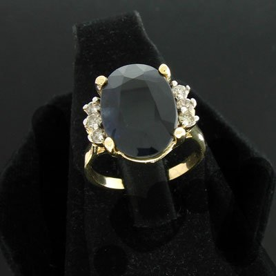 20: APP: $9.1k 14 kt. Gold, 6.70CT Sapphire and .18CT D