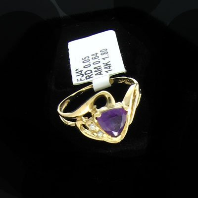 2226: 14 kt. White Gold, 0.64CT Amethyst and 0.05CT Dia