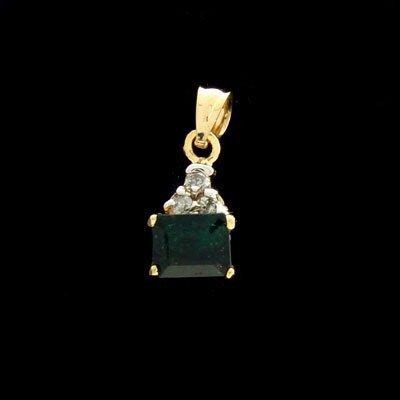 2913: APP: $ 0.7k 18CT kt. Gold, 0.66CT Emerald & 0.09C