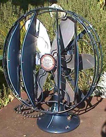 2333: Rare Vicotr Breezespreader Electric Table Fan, Re