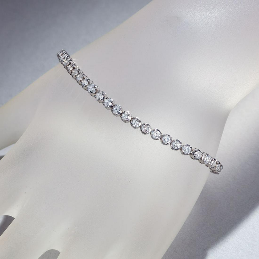 APP: 9.5k *Fine Jewelry 14KT White Gold, 4.00CT Round