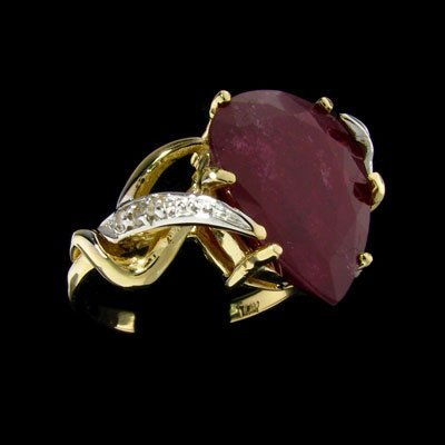 109: APP: $15.1k 14 kt. Gold, 9.27CT Ruby and Diamond R