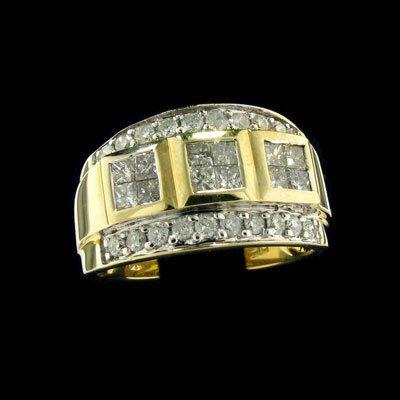 125: APP: $4.3k 14 kt. Gold, 0.88CT Diamond Ring