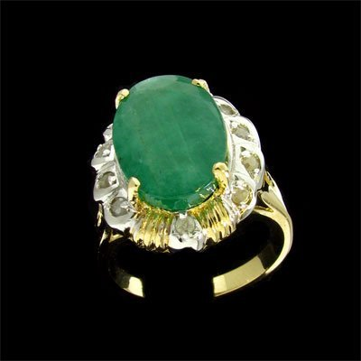701: APP: 14.9k 14 kt. Gold, 6.40CT Emerald and 0.20CT