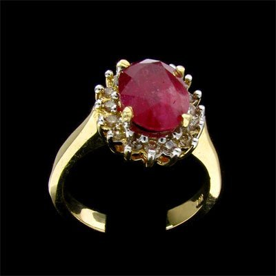 933: APP: 9.4k 14 kt. Yellow/White Gold, 2.89CT Ruby an