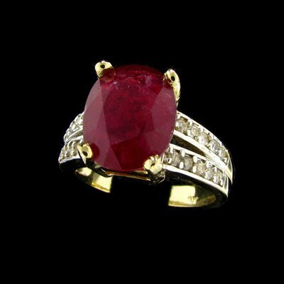 2200: APP: 21.2k 14 kt. Gold, 4.52CT Ruby and Diamond R