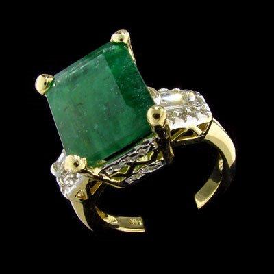 203: APP: $21k 14 kt. Yellow/White Gold, 5.84CT Emerald