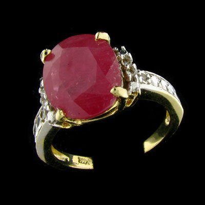 439: APP: $5k 14 kt. Gold, 3.18CT Ruby and Diamond Ring