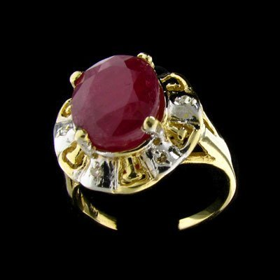 639: APP: $6k 14 kt. Gold, 6.16CT Ruby and Diamond Ring