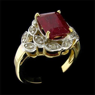 3008: APP: $14.3k 14 kt. Gold, 3.41CT Ruby and Diamond