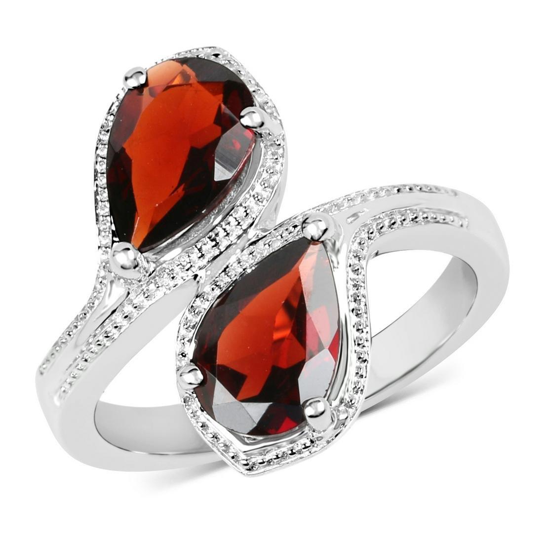 APP: 0.4k Gorgeous Sterling Silver 2.60CT Garnet Ring