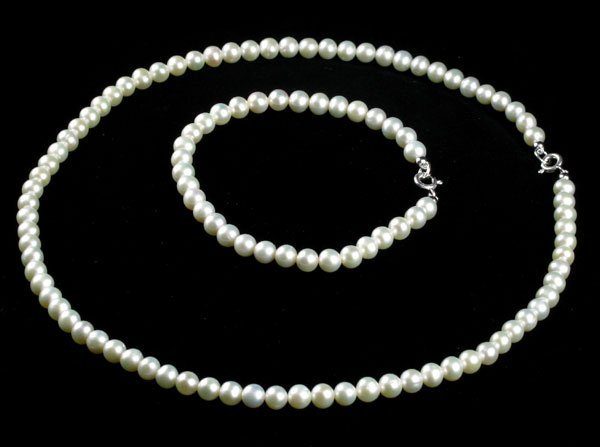 828: Silver Clasp 5mm Pearl 16'' Necklace and 6'' Brace