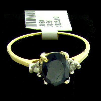 832: 14 kt. Gold, Sapphire and Diamond Ring
