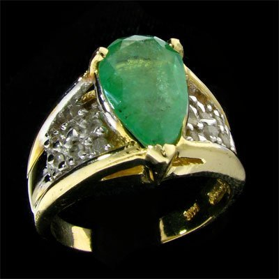 23: APP: 3.4k 14 kt. Gold, 2.40CT Emerald and Diamond R