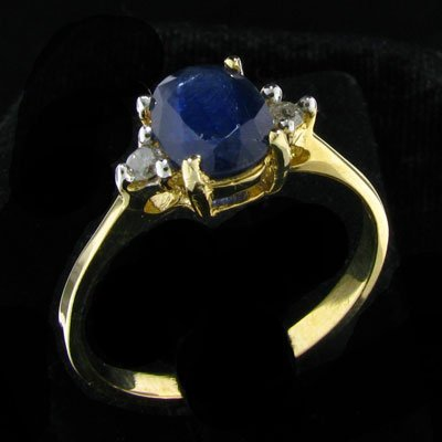 3042: 14 kt. Gold, Sapphire and Diamond Ring