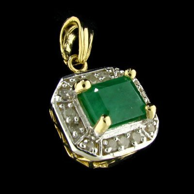 17: APP: 3.6k 14 kt. Gold, 1.94CT Emerald and Diamond P