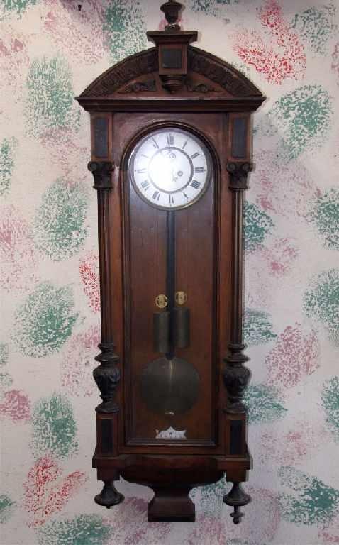 40: Vienna 2 Weight Regulator-Walnut Clock